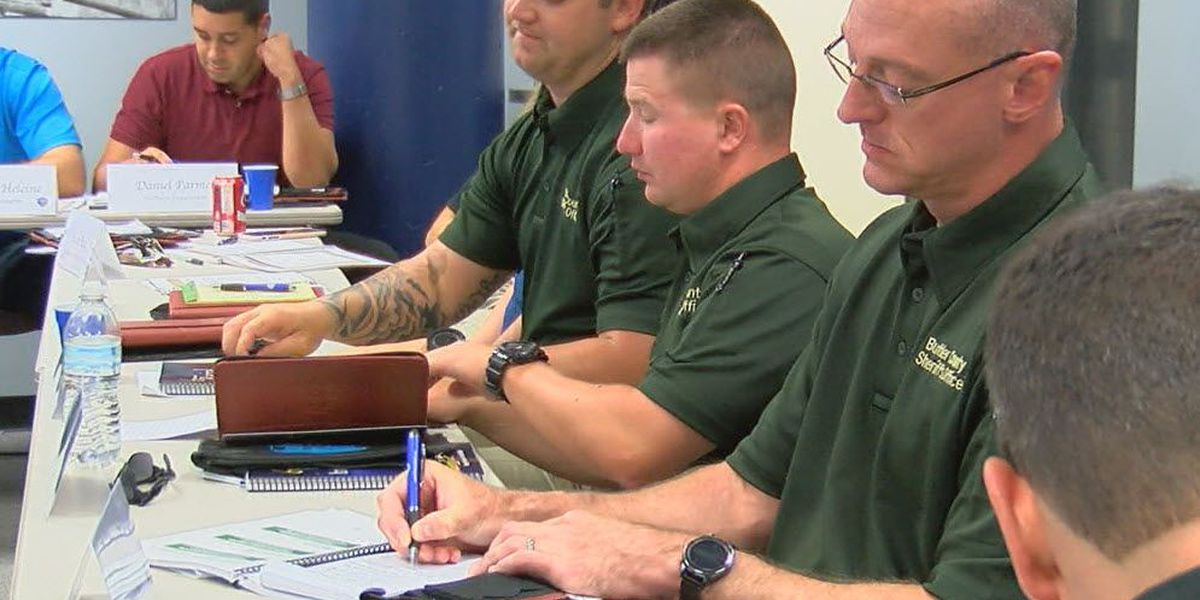 Middletown officers train in racial intelligence