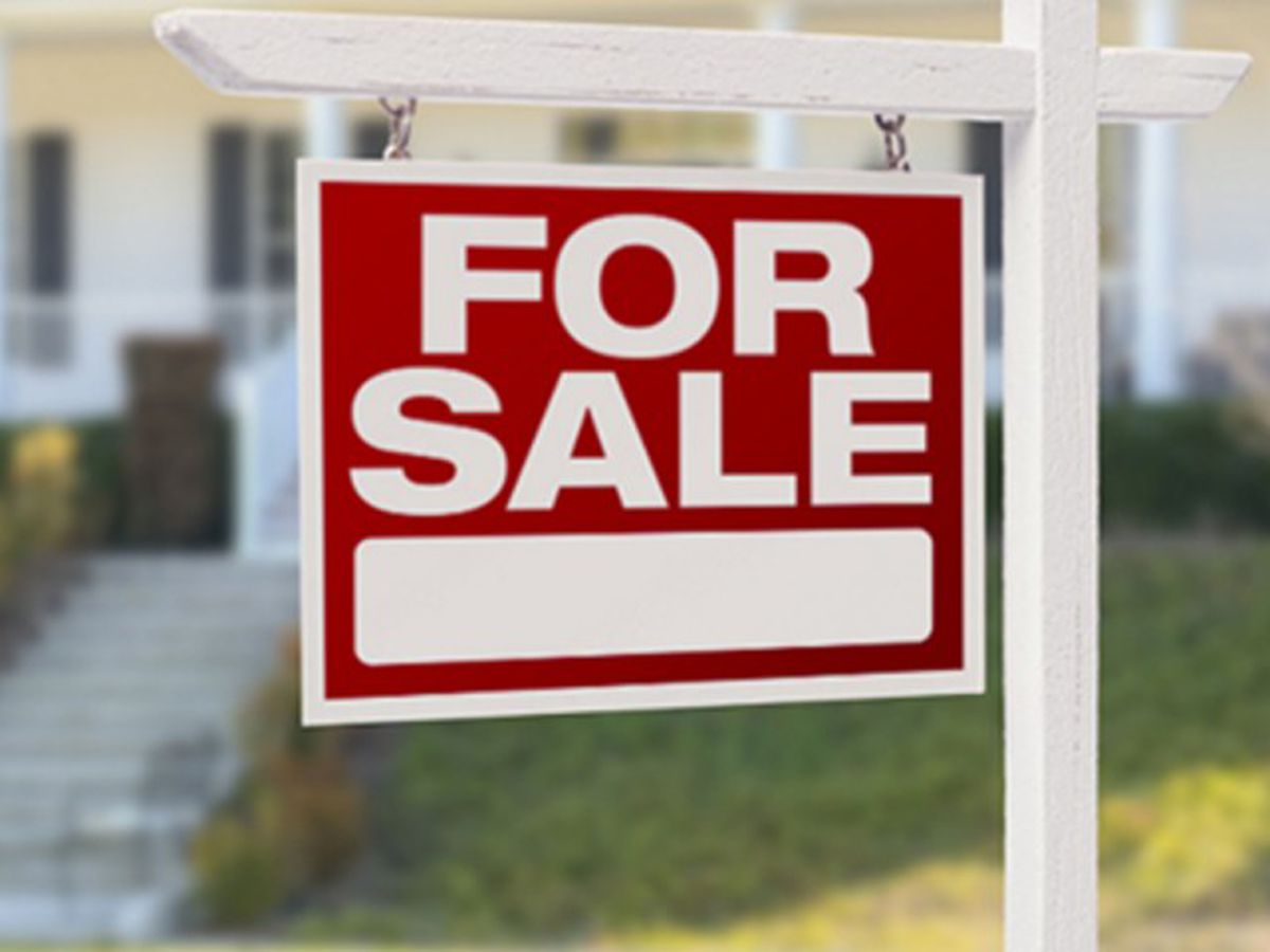 Buying or selling a house in this market? Realtor shares helpful tips