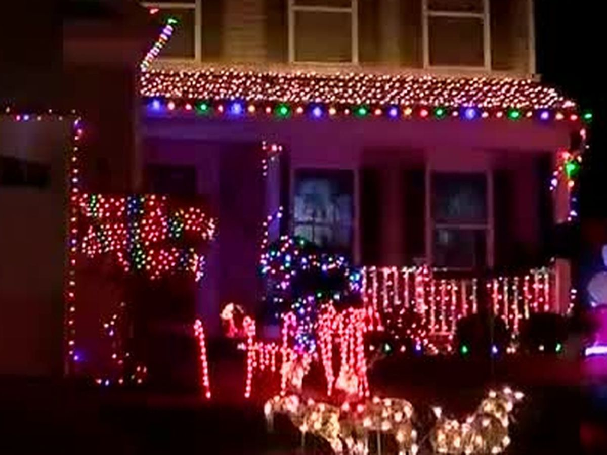 Family's light display, Christmas music provide ultimate holiday experience: VIDEO