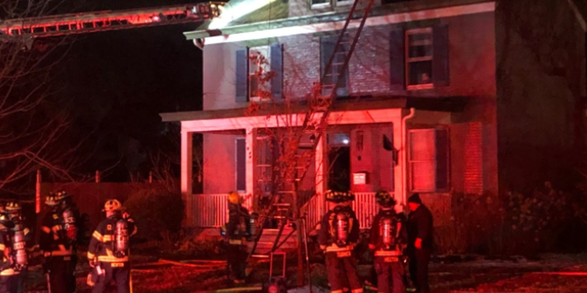 Resident escapes Glendale house fire