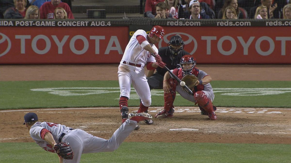Back strain forces Votto to injured list