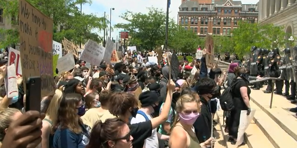 More than 100 arrested during Monday's protests, CPD says