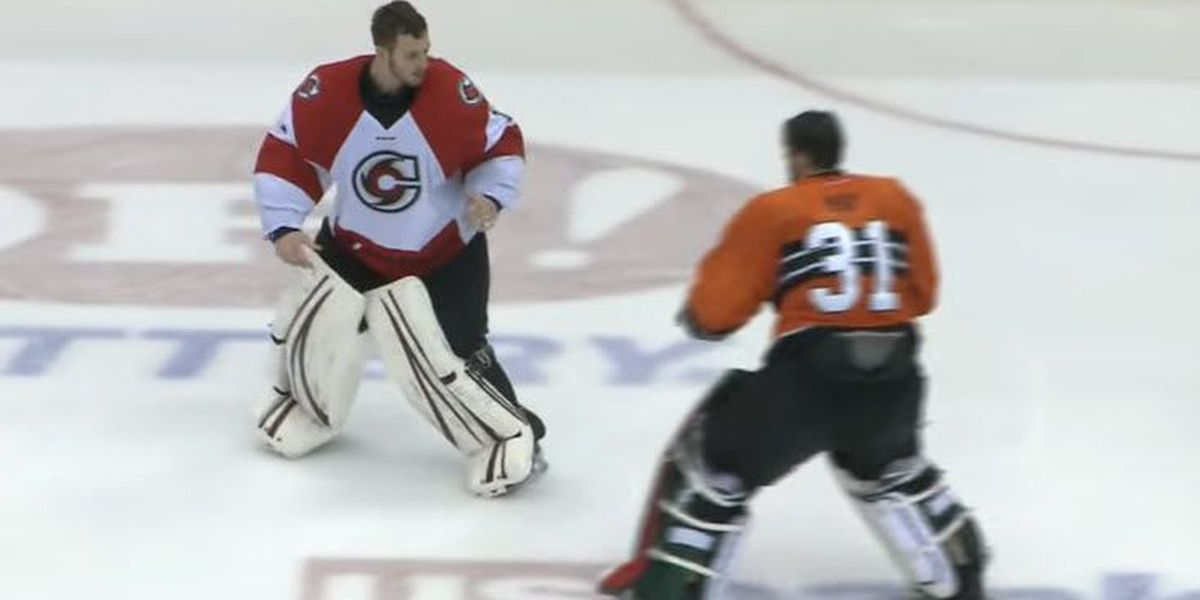 VIDEO: Goalie fight ends with one-punch knockout at Cincinnati Cyclones game