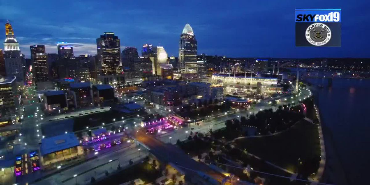 SkyFOX19 catches beautiful skyline shot at dusk