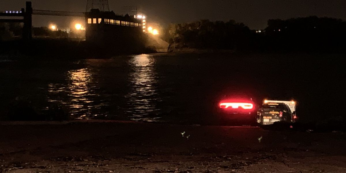 Officials: Man drowned in Ohio River trying to save girlfriend