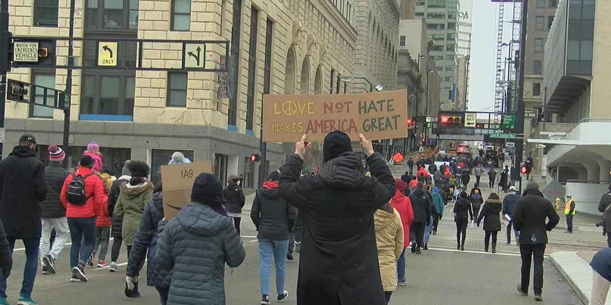Cincinnati remembers Dr. Martin Luther King Jr. during annual MLK Day Parade