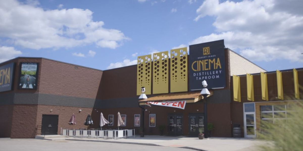 Tri-State theater to air classic films from the 80's & 90's amid reopening
