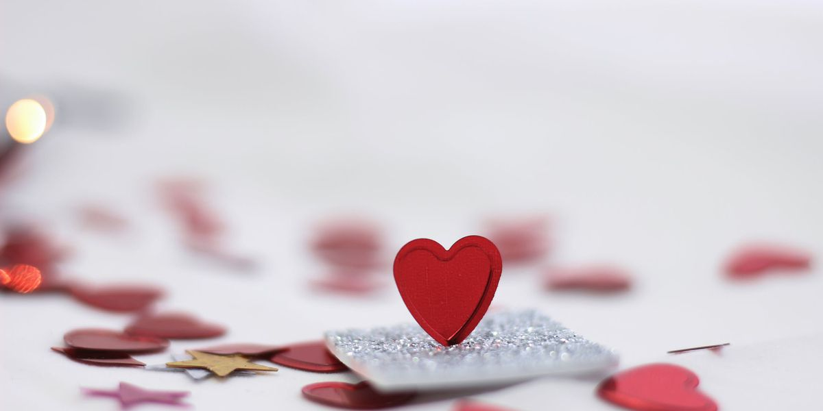 FBI warns of romance scams ahead of Valentine's Day