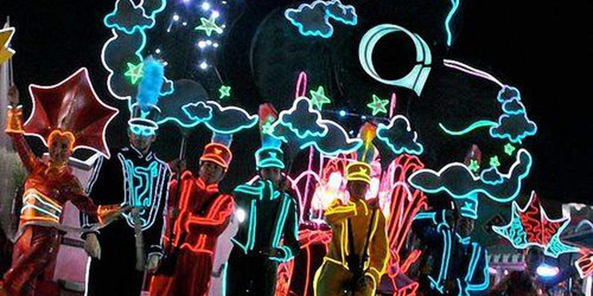 WATCH: BLINK kicks off with the Future City Spectacular Parade