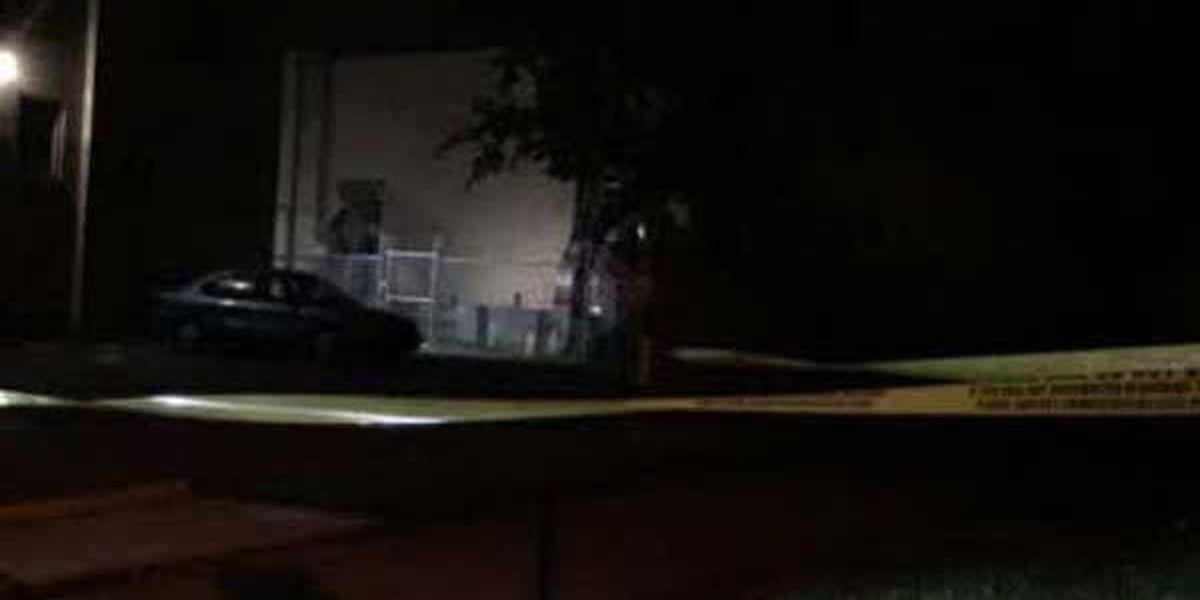 Man found shot in Roselawn