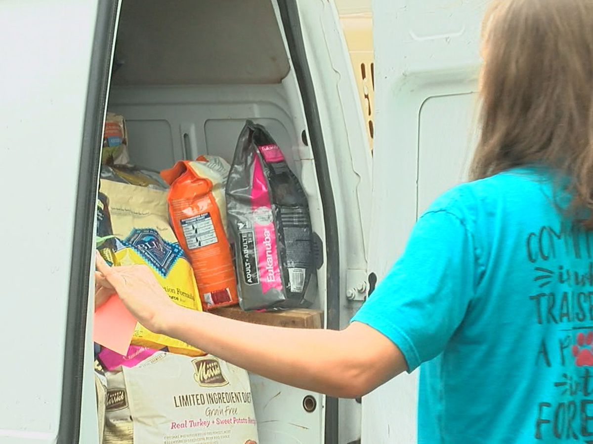 Tri-State animal rescue workers leave for the Carolina coast