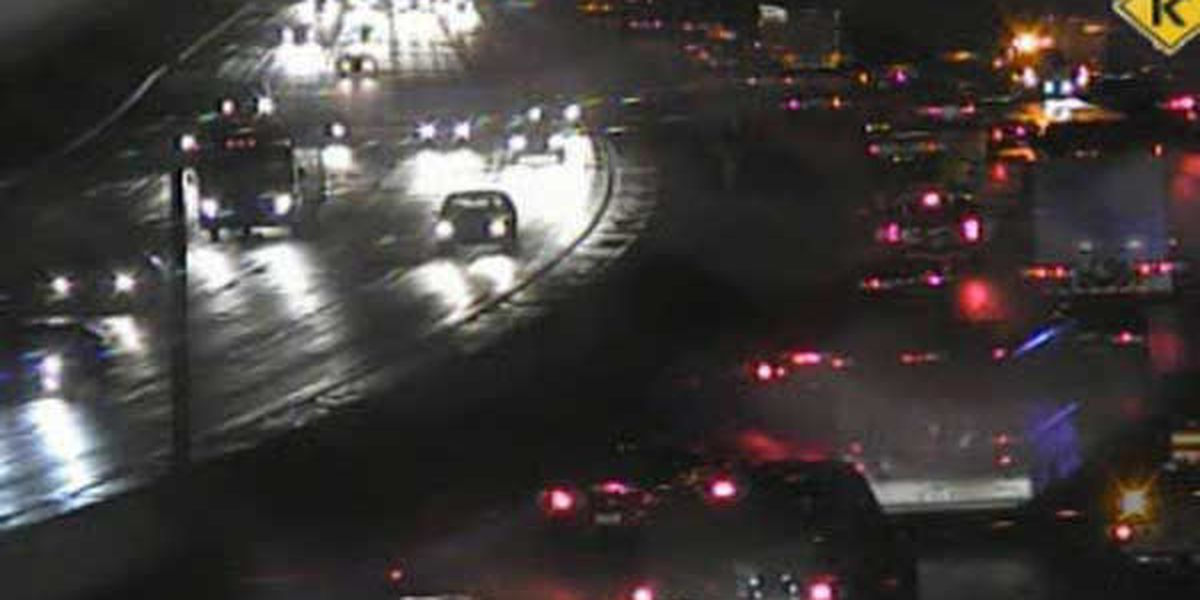 Jackknifed semi slows NB I-71/75 at top of Cut in the Hill