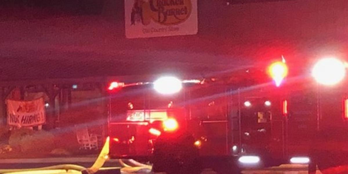 Fire damages Cracker Barrel in Forest Park