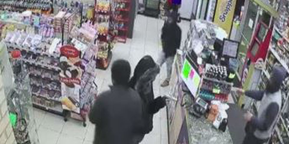VIDEO: 3 suspects robbed gas station on Winton Road at gunpoint