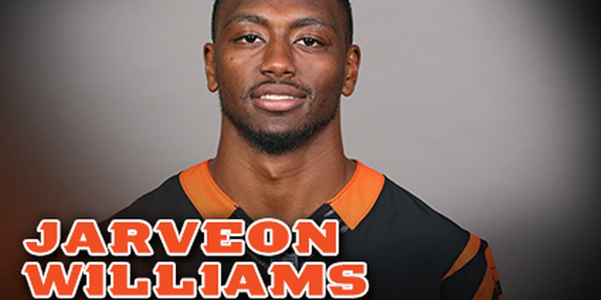 Bengals place T.J. Johnson on IR, elevate Jarveon Williams from practice squad