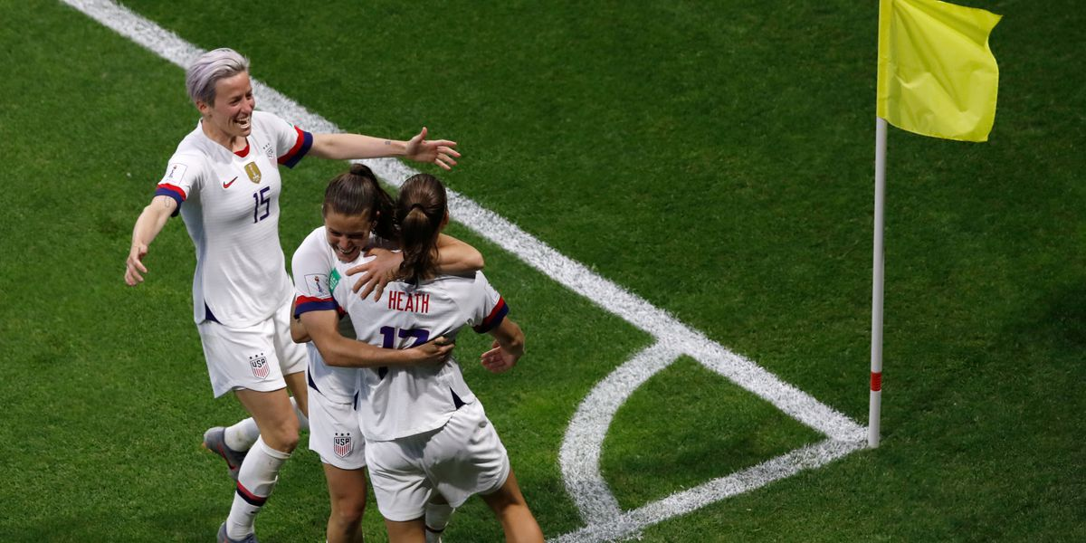 USA women complete group sweep, advance to knockout round