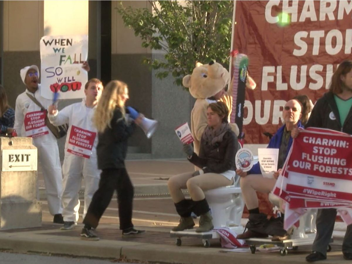 Chainsaw-wielding bear, others protest outside Procter and Gamble's shareholder meeting