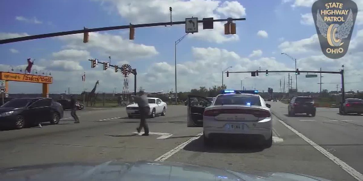 Raw video: Man accused of kidnapping, robbery chased by Ohio State Highway Patrol trooper