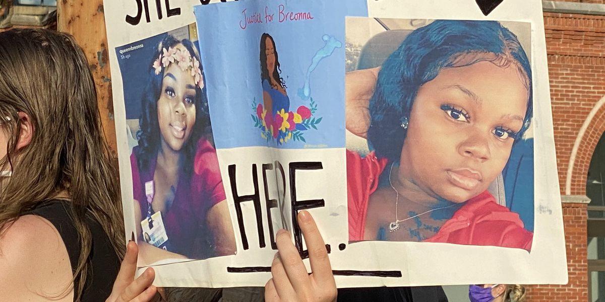Cincinnati protesters hold vigil for Breonna Taylor in Washington Park