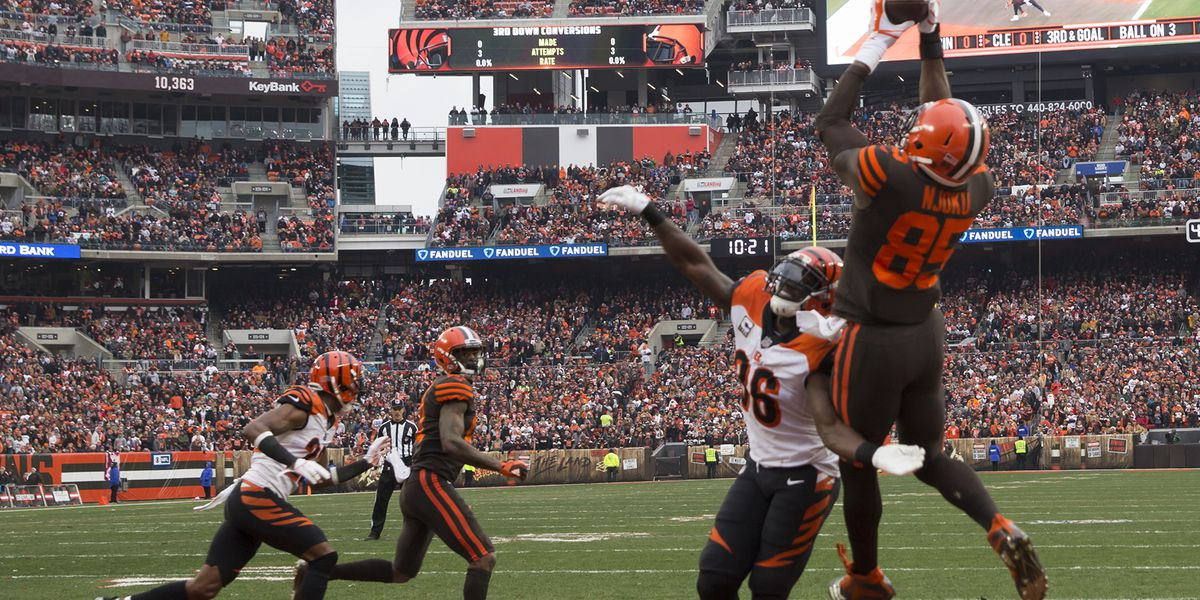 PHOTOS: Browns hold off Bengals for season sweep, 26-18