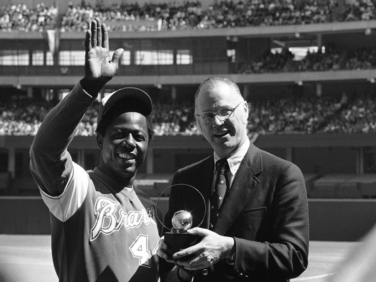 Hank Aaron's iconic moments in Cincinnati