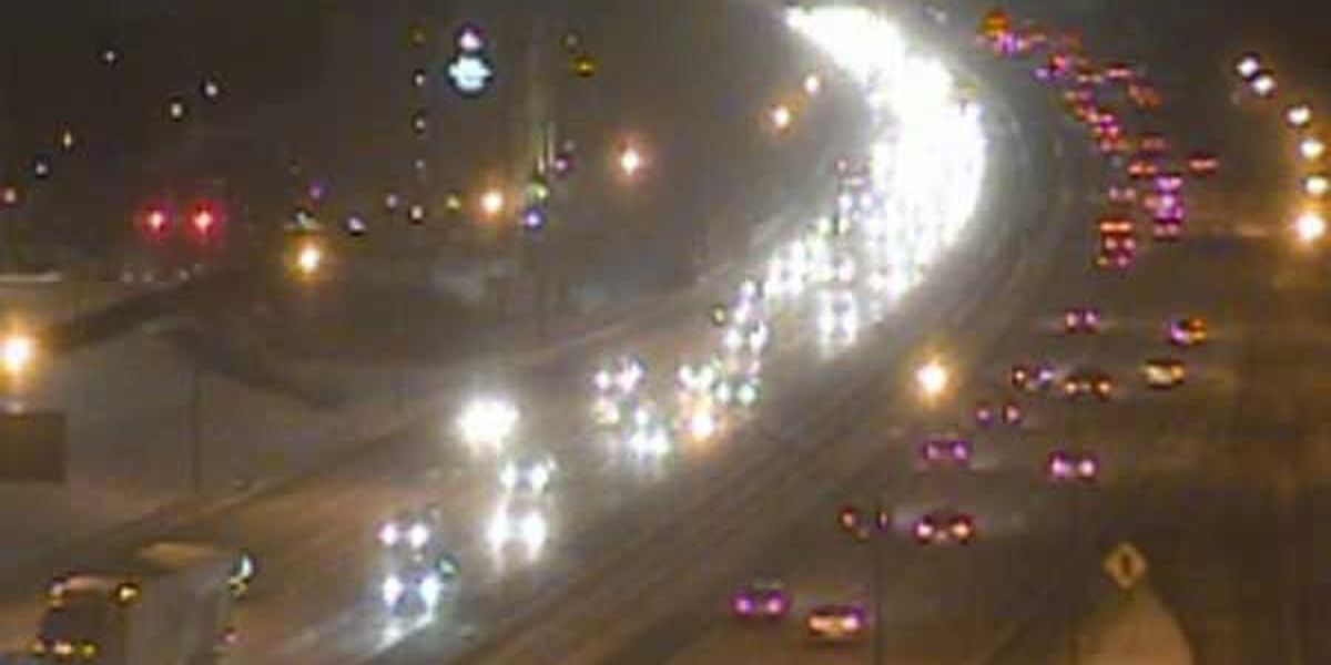 Flurries, crashes slow morning commute