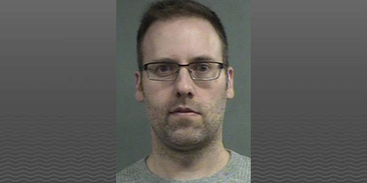 Police: Father sent sexual images of 3-year-old daughters online