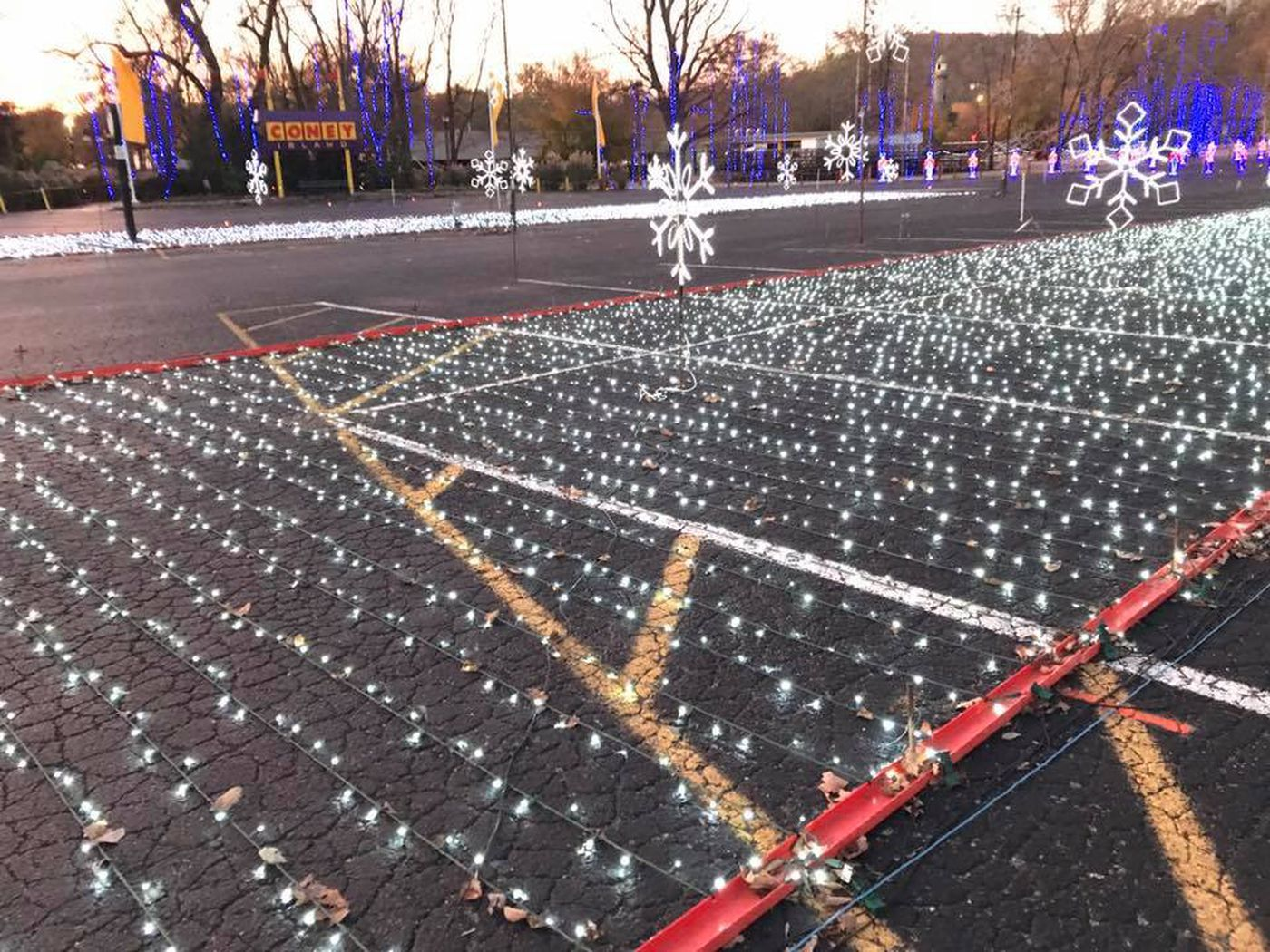 Coney Island Christmas.Christmas Nights Of Lights Opens At Coney Island