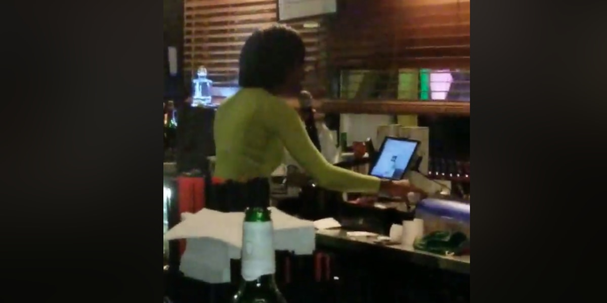 Richmond Heights bartender's karaoke singing catches attention of celebrities like Snoop Dogg, D.L. Hughley (video)