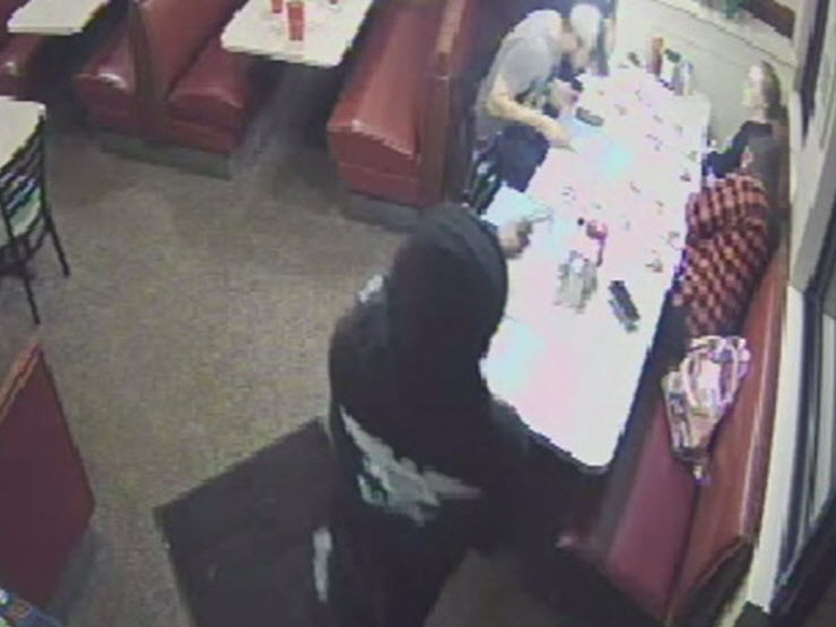 Video sheds light on brazen Pleasant Ridge Chili robbery