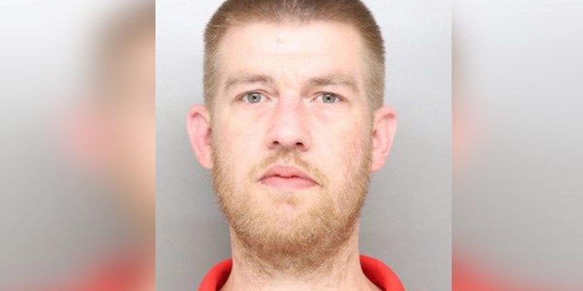 Dad accused of using heroin with 2-year-old daughter in backseat