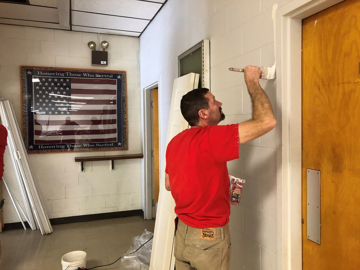 Volunteers fix up Reading American Legion Post: 'There is so much importance here'