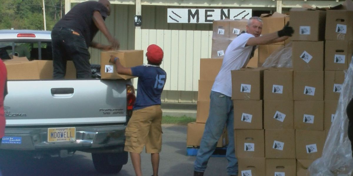 Northern Kentucky FOPs giving food boxes to families in need