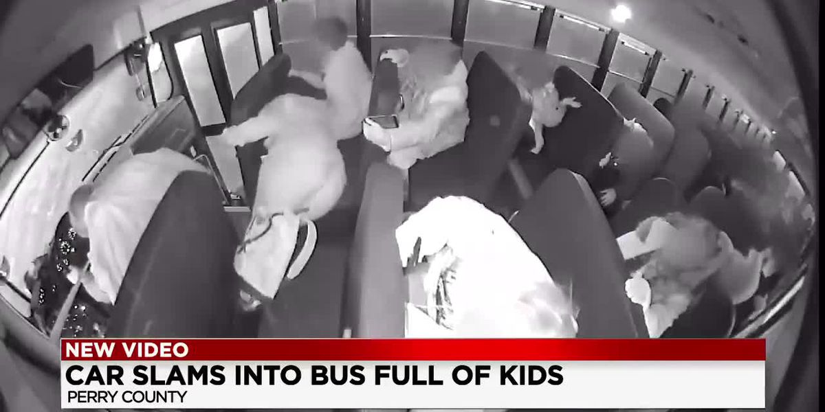 Children tossed like rag dolls as school bus crashes in Perry County, Ohio (video)