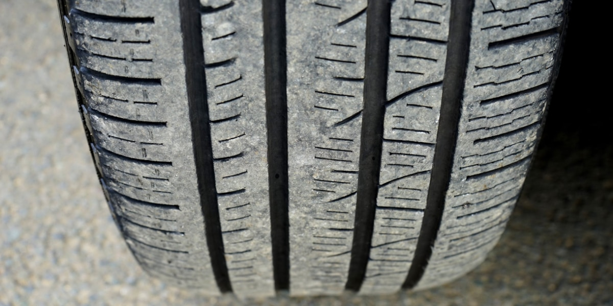 Gov. Kasich signs bill banning sale, installation of unsafe used tires in Ohio