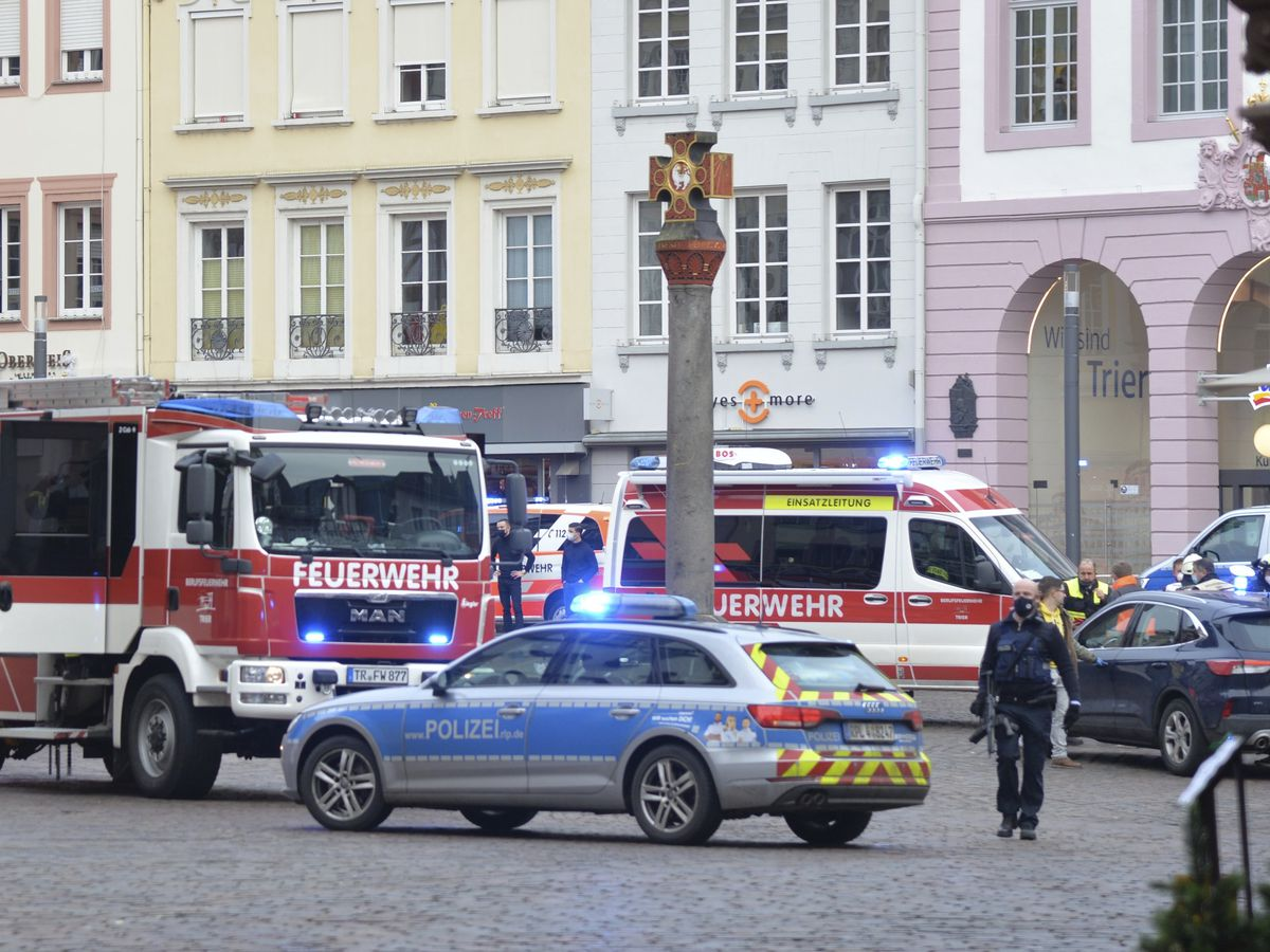 5 dead, many injured after German man drives car into crowd