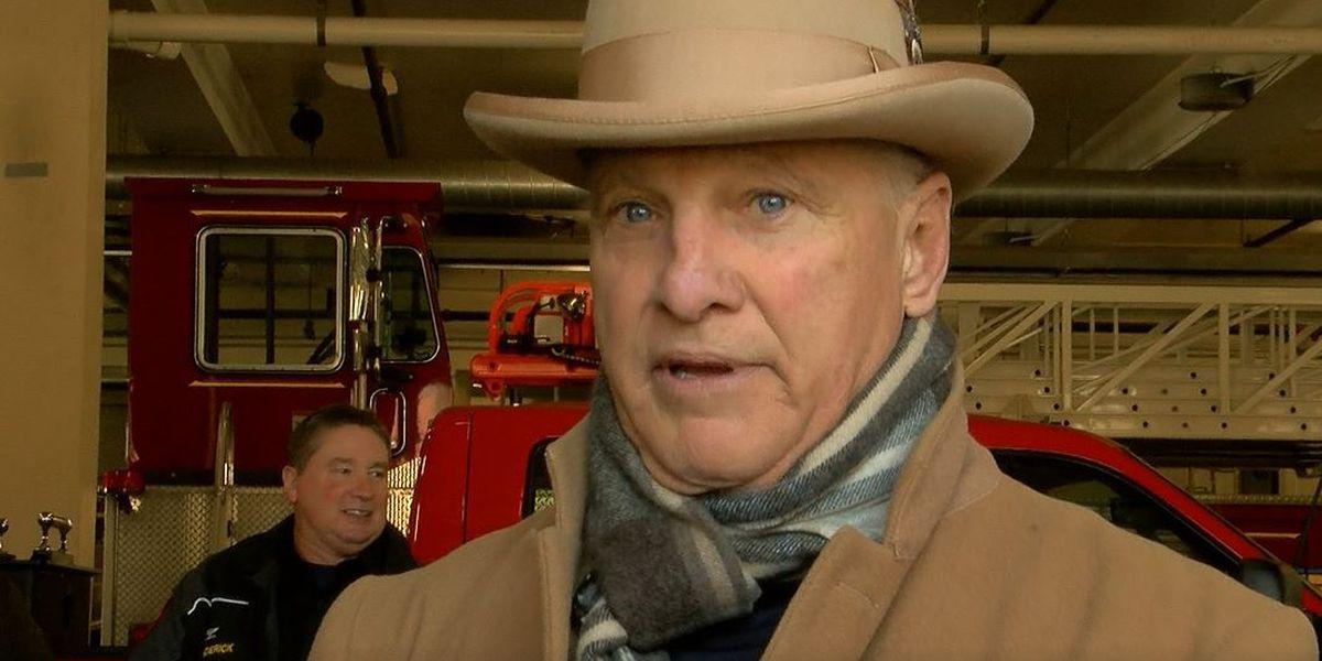 Restaurateur Jeff Ruby donates turkeys to Louisville firefighters