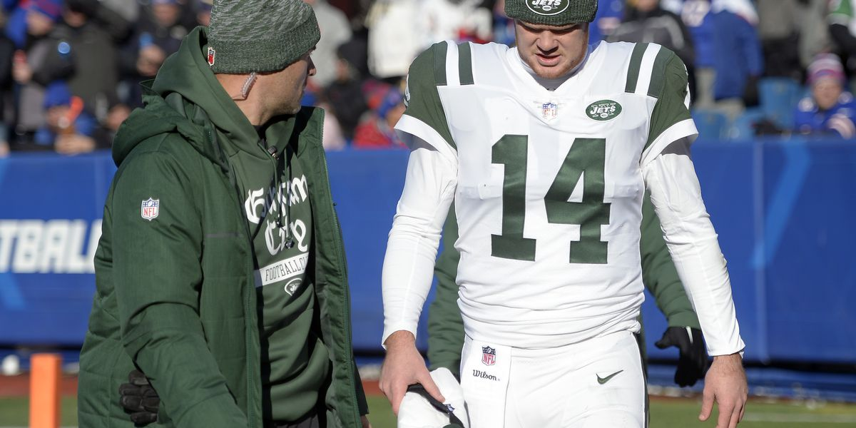 The Latest: Jets' Darnold back after missing drive to injury
