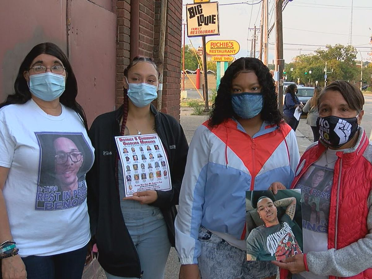 Candlelight vigil held for victims of gun violence Saturday