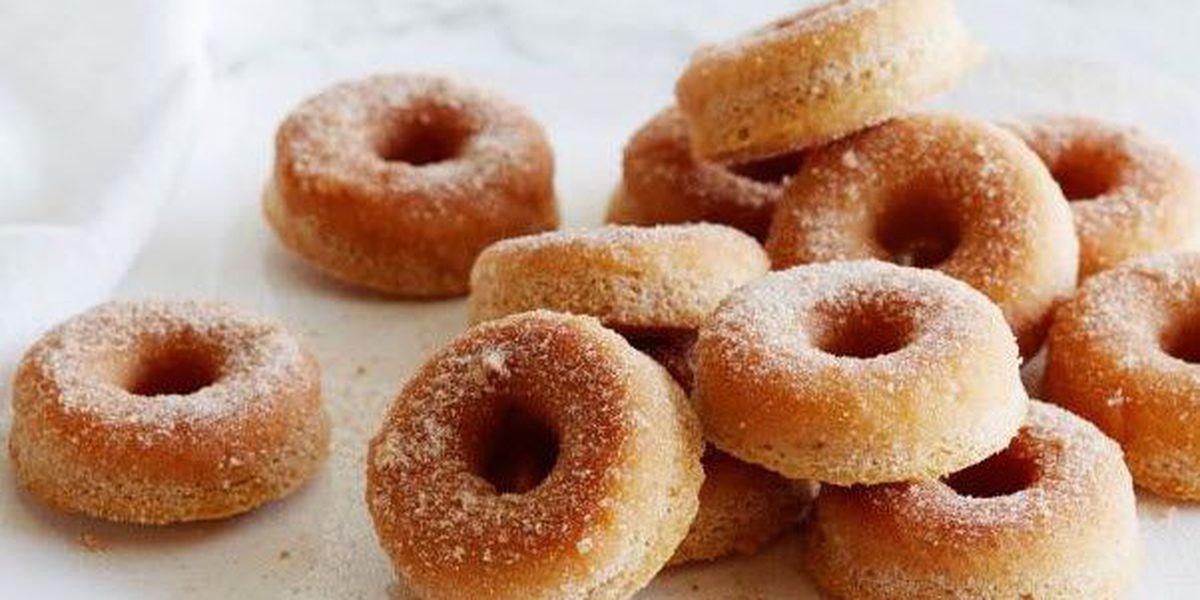 Recipe: Cinnamon sugar baked doughnuts