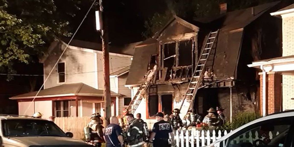 House fire in Middletown leaves 2 injured
