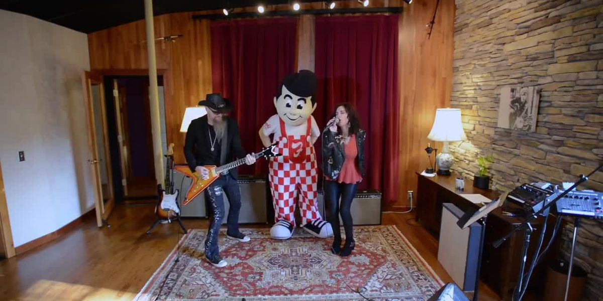 Frisch's brings the flavor in Pumpkin Pie war with spice-y music video