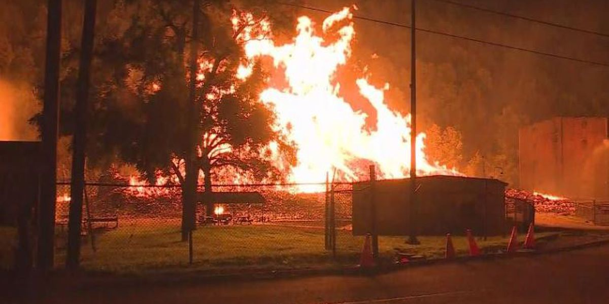 Major fire burns 2 Jim Beam warehouses in Kentucky