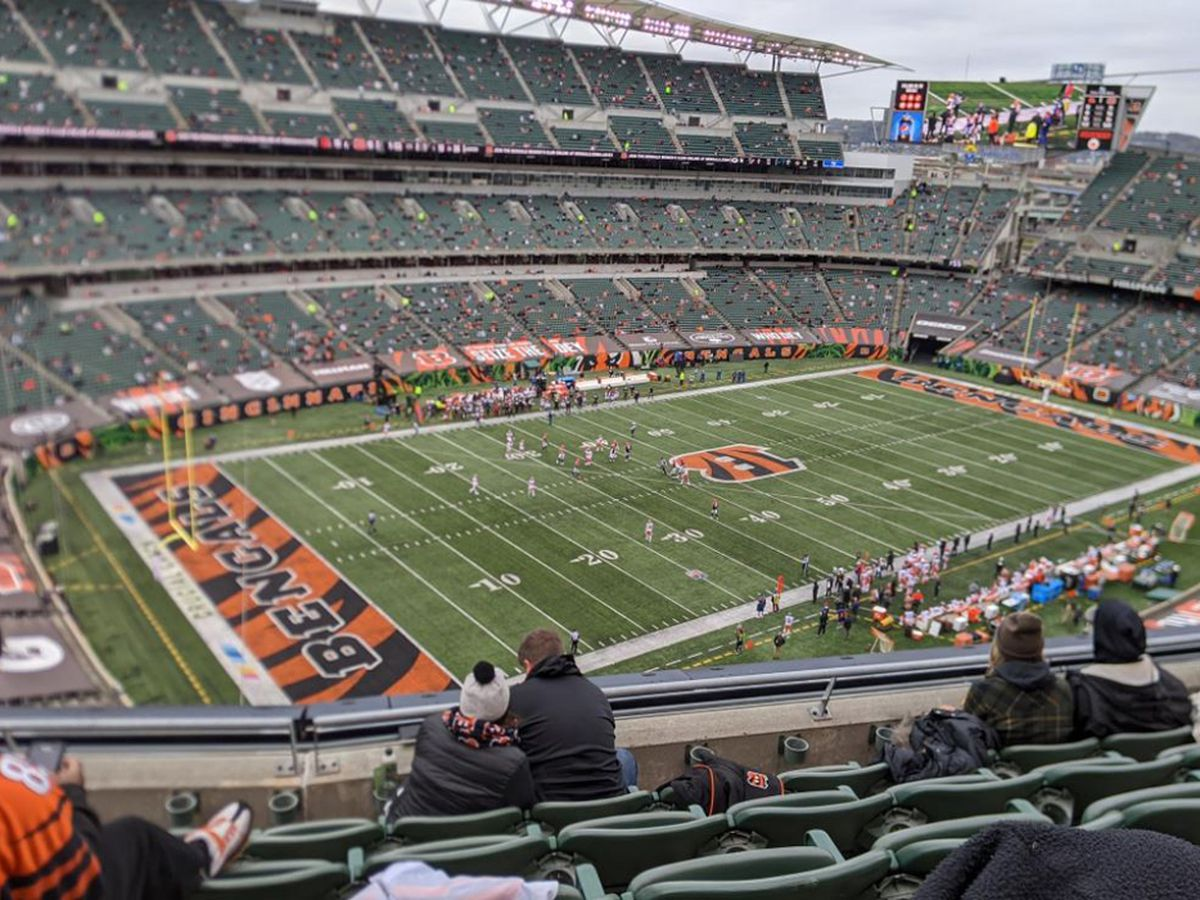 12,000 fans fill seats at Paul Brown Stadium after state loosens COVID-19 restrictions