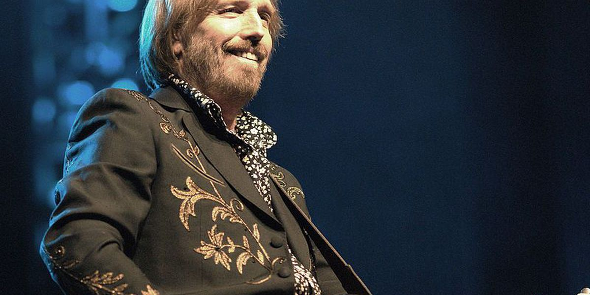 Police warn of phony ticket scam for Tom Petty's Cincinnati show