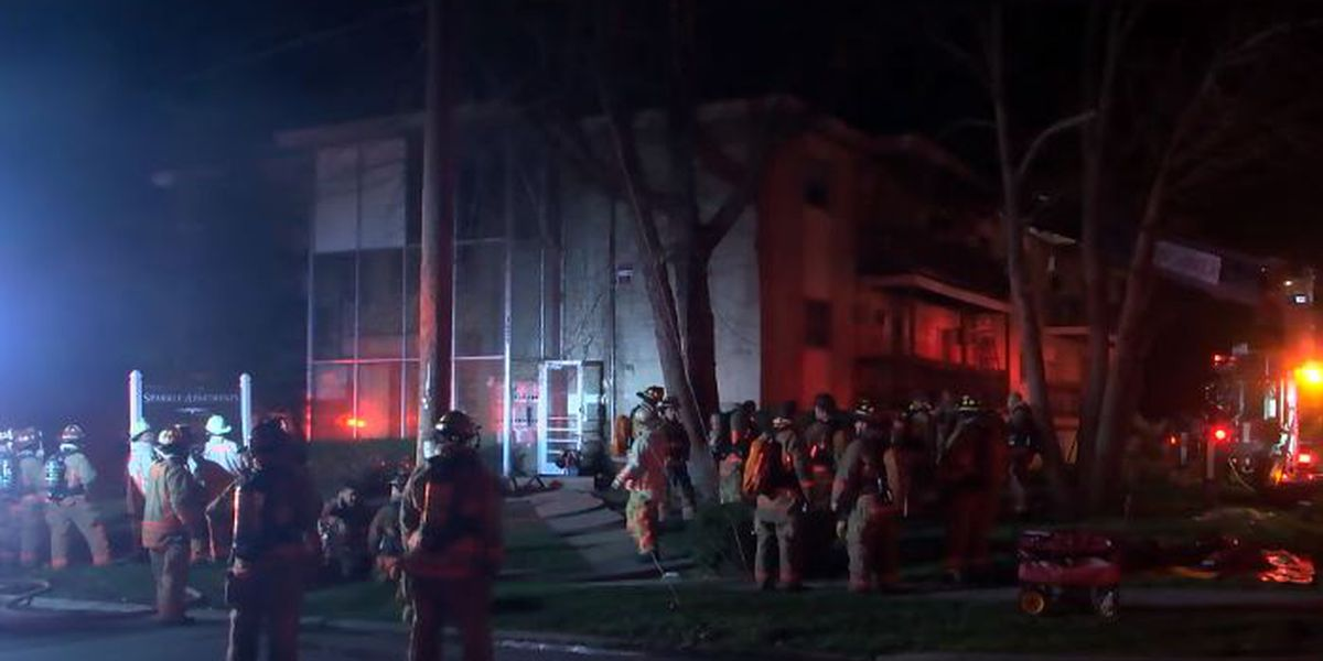 Residents jump to escape Roselawn apartment fire, 2 hospitalized, fire officials say