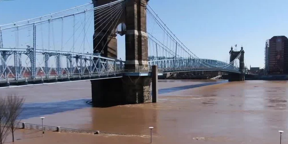 Ohio River crests: Flooding keeps roads closed