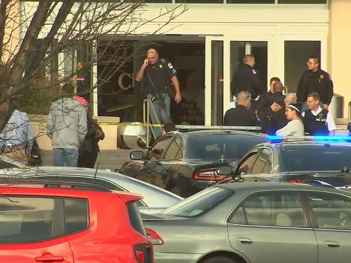 Police: 1 person shot at Atlanta-area mall; no active shooter