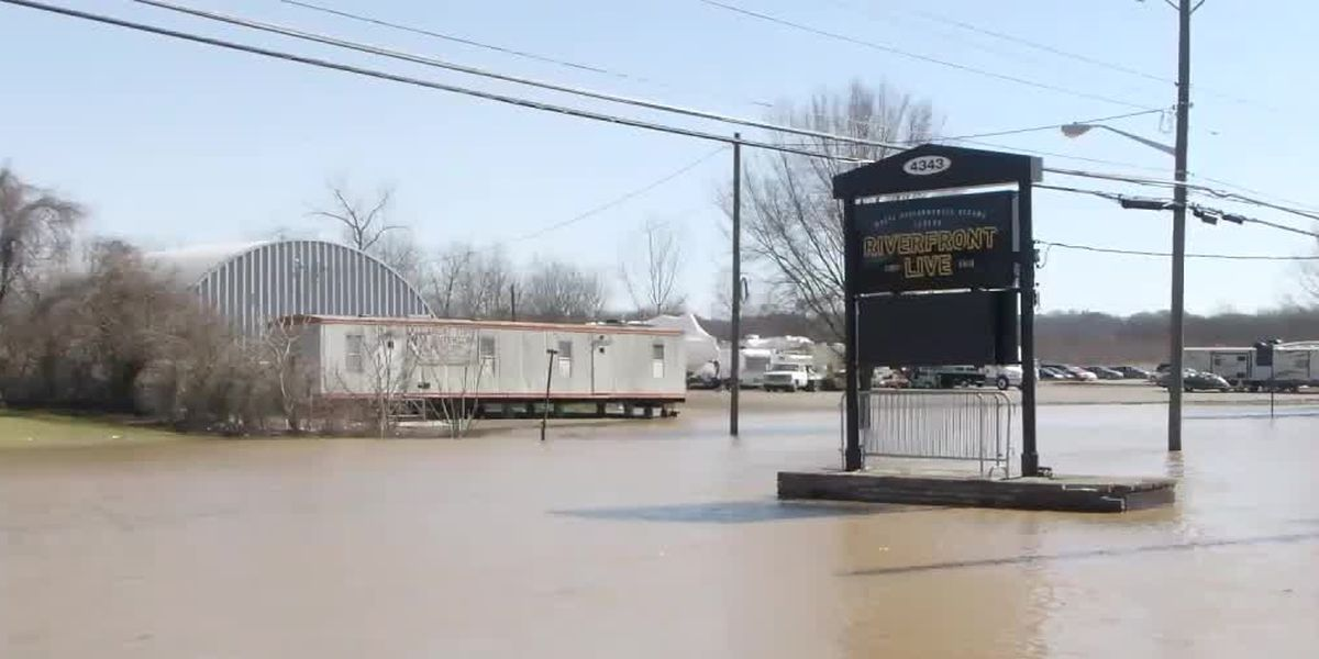 'Nothing we can do:' East End business impacted by floodwaters