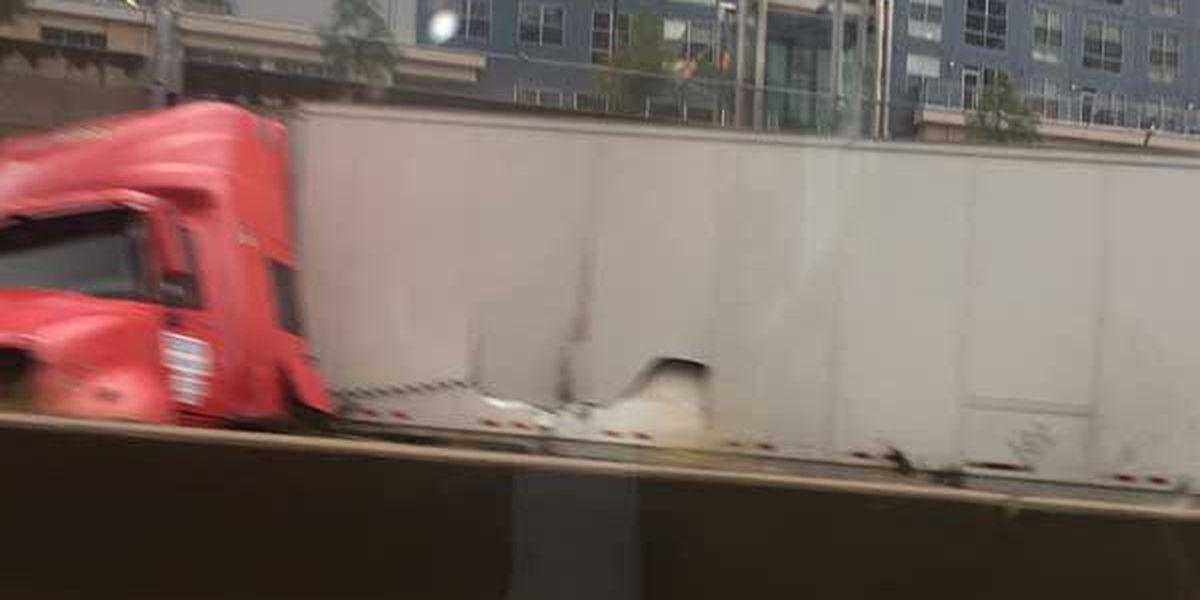 Jackknifed semi restricts EB Fort Washington Way/NB I-71 before Lytle Tunnel